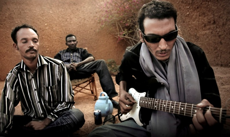 Bombino_playing_Twisted.Pepper.17th.July