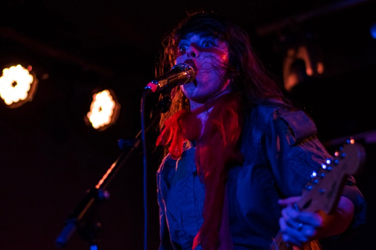 le-butcherettes-at-the-workmans-club-photo-by-stephen-white-1
