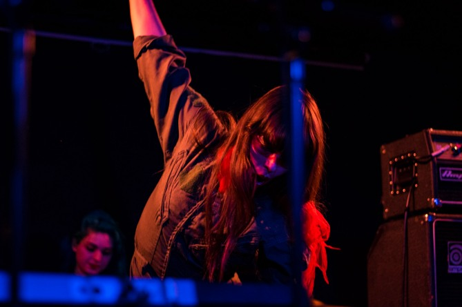 le-butcherettes-at-the-workmans-club-photo-by-stephen-white-21