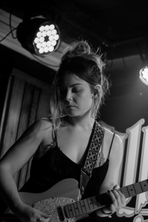 Honeyblood in Whelan's April 2017 (Photo by Stephen White) 17