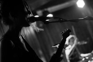 Honeyblood in Whelan's April 2017 (Photo by Stephen White) 21