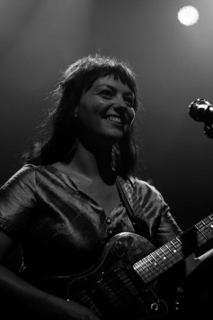 Angel Olsen (photo by Stephen White) 1