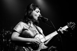 Angel Olsen (photo by Stephen White) 15