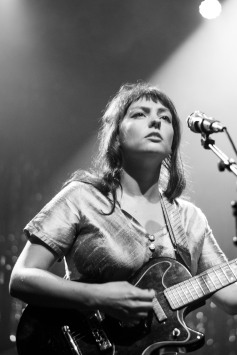 Angel Olsen (photo by Stephen White) 17