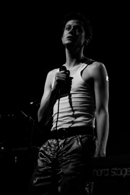 Perfume Genius Tivoli Theatre Dublin (photo by Stephen White) 5