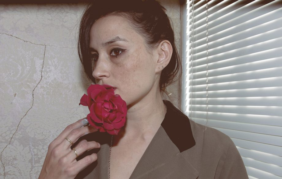 Warpaint-Theresa-Wayman-920x584