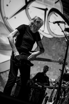 roger waters 3arena dublin (photo by Stephen White) 14