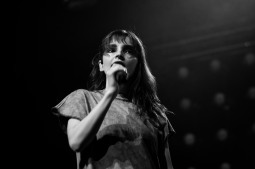 chvrches lauren mayberry olympia theatre photo by stephen white tlmt 06