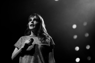 chvrches lauren mayberry olympia theatre photo by stephen white tlmt 07