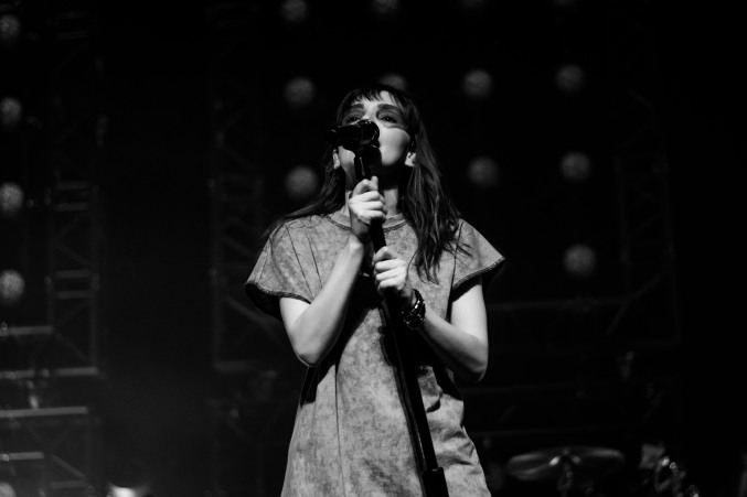 chvrches lauren mayberry olympia theatre photo by stephen white tlmt 12