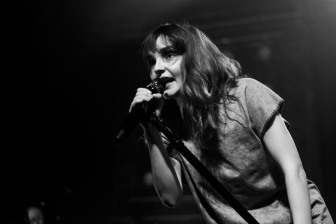 chvrches lauren mayberry olympia theatre photo by stephen white tlmt 16