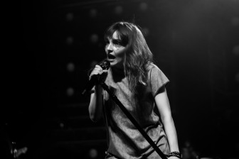 chvrches lauren mayberry olympia theatre photo by stephen white tlmt 17