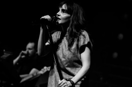 chvrches lauren mayberry olympia theatre photo by stephen white tlmt 19