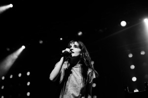 chvrches lauren mayberry olympia theatre photo by stephen white tlmt 20