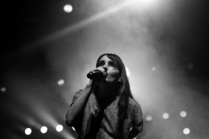 chvrches lauren mayberry olympia theatre photo by stephen white tlmt 22