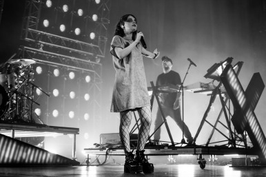 chvrches lauren mayberry olympia theatre photo by stephen white tlmt 38