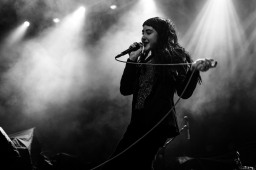 lets eat grandma olympia theate dublin photo by stephen white tlmt 06