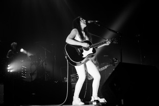kt tunstall olympia theatre dublin photo by stephen white tlmt 11