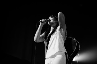 kt tunstall olympia theatre dublin photo by stephen white tlmt 24
