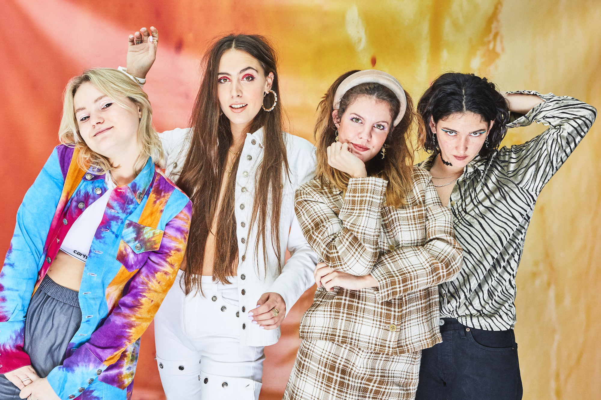 Hinds announce Dublin show in the Grand Social and new single 'Riding Solo'